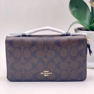 Coach Travel DoubleZip Wallet Organizer Unisex